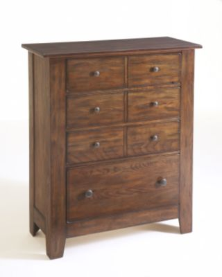 Attic Heirlooms 4 Drawer Chest