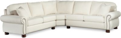 Attrayant Benjamin Sectional (Fabric)